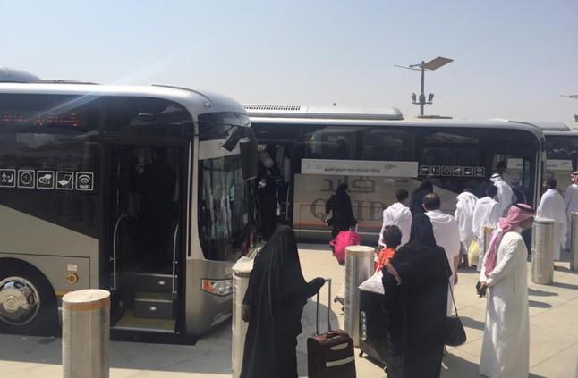 10 حافلات لنقل الركاب إلى قطار الحرمين بالمدينة10 حافلات لنقل الركاب إلى قطار الحرمين بالمدينة