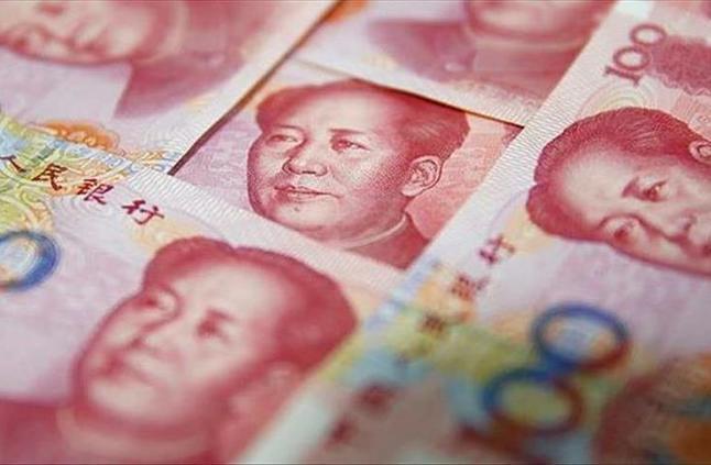 اليوان الصيني في أدنى مستوى أمام الدولار منذ 10 سنوات