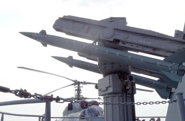 """الناتو وموسكو في اجتماع لتجنب """"سباق التسلح"""""""