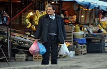 الجزائر ترفع حظر الاستيراد عن بعض الفواكه وتخضعها لرسوم وقائية