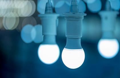 لماذا لون الإضاءة الأزرق هو الأكثر صحية لك؟