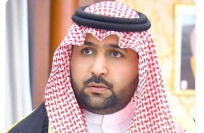 نائب أمير جازان ينقل تعازي القيادة لذوي الشهيد يحي زيدي
