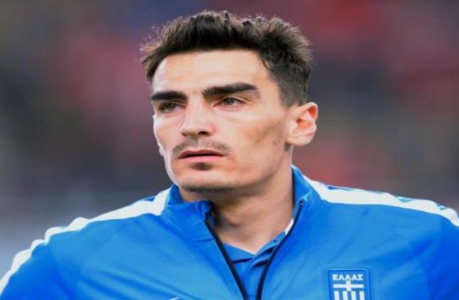 لاعب يوناني مُخضرم يُسعد جماهيره بهدفٍ مقصّي رائع