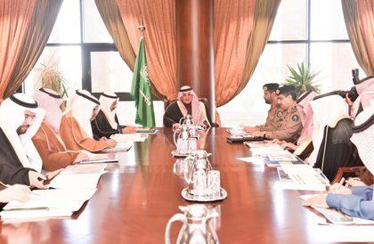 أمير تبوك يترأس اجتماع لجنه تنسيق ومتابعة المشروعات بالمنطقة