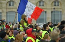 هل الإخوان هم سبب مظاهرات فرنسا؟