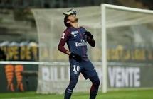 """قطر تعين نيمار """"سفيراً"""" خوفاً من عودته إلى برشلونة"""