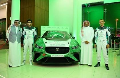 اتحاد السيارات والدراجات النارية يُقدِّم أعضاء فريق السعودية للسباقات