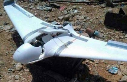 دفاعات الجيش اليمني تسقط طائرة تجسس تابعة للمليشيا بمديرية مريس