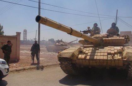"""الجيش السوري يحشد على جبهة إدلب... و""""النصرة"""" تتوقع هجومه في """"أي دقيقة"""""""