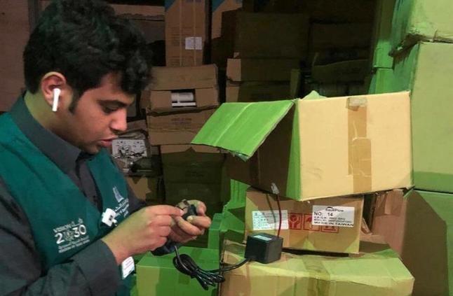 """""""التجارة"""" تضبط وتُصادر أكثر من ألف قطعة كهربائية غير مطابقة"""