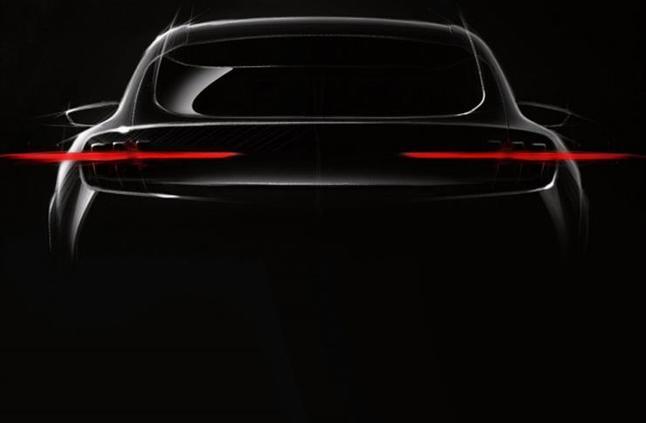 """""""فورد"""" تخطط لإطلاق أول SUV كهربائية بتصميم """"موستنج"""""""