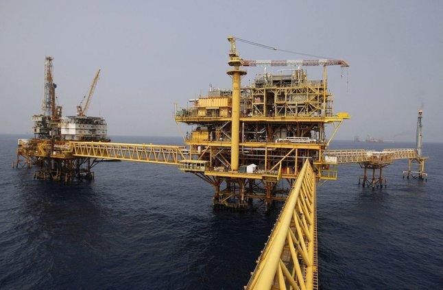 استطلاع: النفط سيظل فوق 70 دولارا للبرميل والطلب سيوازن أي زيادة في إمدادات أوبك
