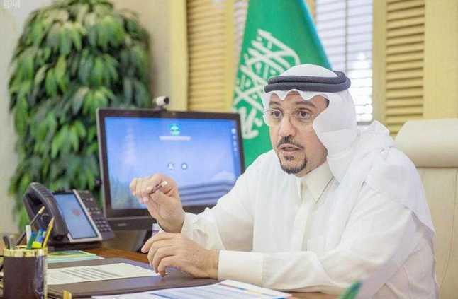 أمير القصيم يوجه بتخصيص 4000 فرصة تدريبية لأبناء وبنات المنطقة