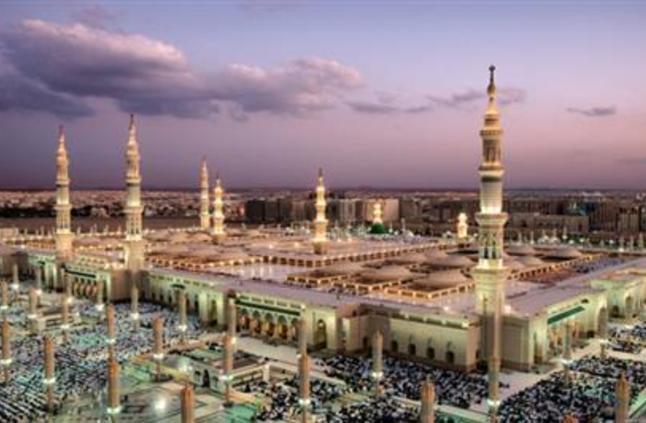 بالصور: تعيين 3 مؤذنين جدد بالمسجد النبوي الشريف