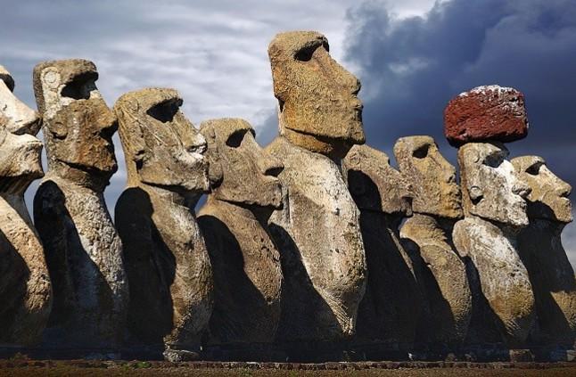 علماء يكشفون لغز تماثيل جزيرة الفصح الغامضة