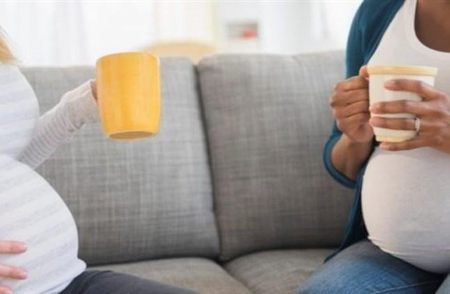 التسوس والتهاب اللثة من أسباب الولادة المبكرة
