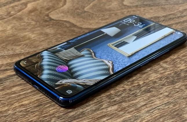"""Vivo تعمل على هاتف جديد بتصميم فريد من نوعه يحمل الإسم الرمزي """" The Waterdrop """" - إلكتروني"""