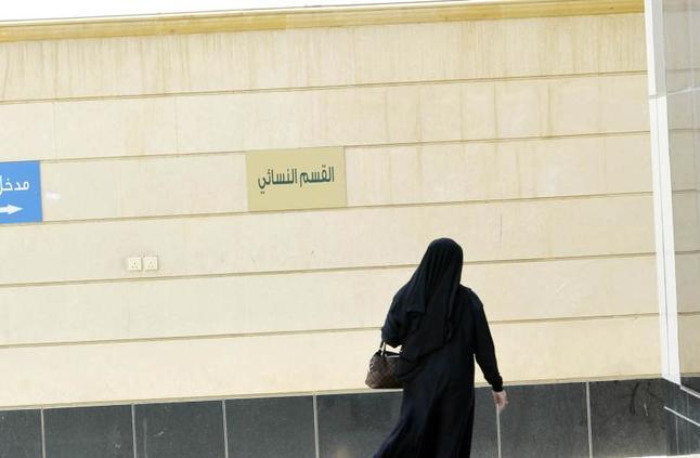 «عكاظ» ترصد 10 قرارات نافذة لإطلاق الموقوفين وحفظ حقوق المتهمين