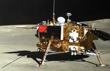 """صورة الجانب المظلم من القمر """"تفضح زيف"""" المهمة الصينية!"""