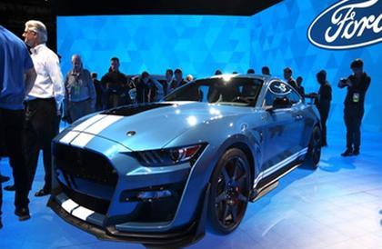 فورد تتوج أسطورتها Mustang بالموديل Shelby GT500.. صور