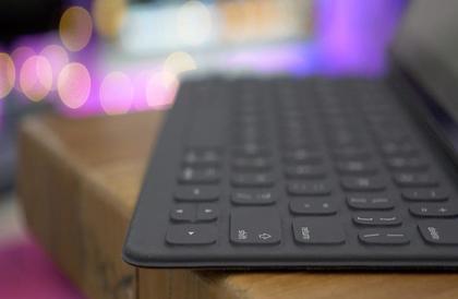 """حيلة ذكية في لوحة المفاتيح تحول الحروف الكبيرة لـ""""صغيرة"""" قبل الطباعة"""