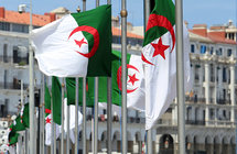 """الجزائر... خبير فلكي يشعل الجدل والغضب بـ""""تخطئة تقويم رسول المسلمين"""""""
