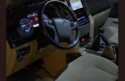 مركبة دون سائق في أحد طرقات «القريات».. و«المرور»: ضبطنا قائدها