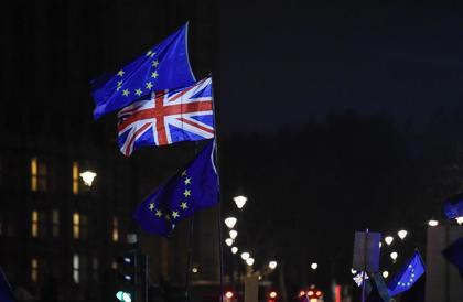 هل تصوت بريطانيا لصالح البقاء داخل الاتحاد الأوروبي؟