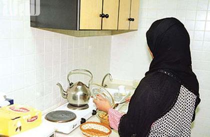"""وفق هذه الشروط.. """"العمل"""" تضع اللمسات الأخيرة لاستقدام العمالة المنزلية من كينيا"""
