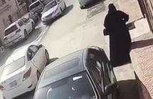 ظهرتا في فيديو.. القبض على امرأتين طرقتا أبواب المنازل وانتحلت إحداهما صفة جهة أمنية بالرياض