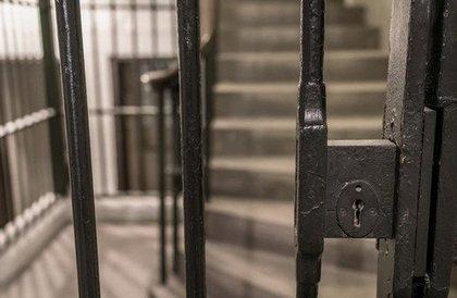 يمنيات في سجون الحوثيين: ضرب وانتهاكات في بيوت قيادات الجماعة » صحيفة صراحة الالكترونية