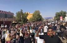 الآلاف يشيعون طالبًا جامعيًا سقط في احتجاجات بالخرطوم