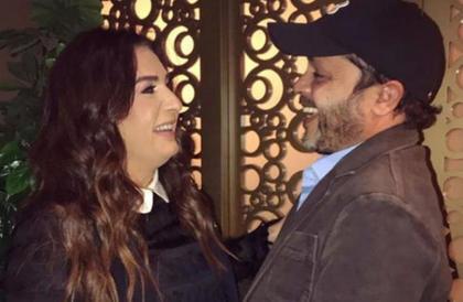 """صورة- زوجة محمد هنيدي تدعمه في الافتتاح الكبير لمسرحية """"3 أيام في الساحل""""نهال ناصر"""