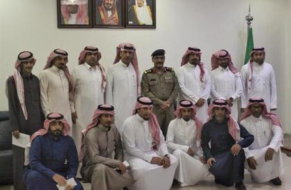 تكريم عدد من منسوبي شرطة الرياض تقديرا لجهودهم في كشف العديد من الجرائم (صور)