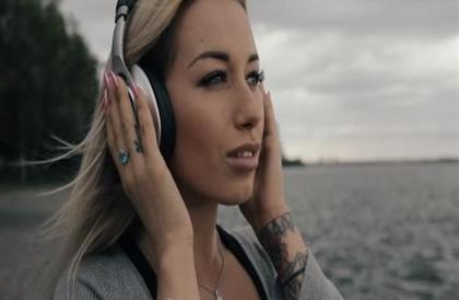 5  مخاطر لسماعات الأذن بينها احتمال فقدان حاسة السمع