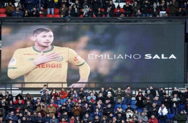 بريطانيا تكشف مفاجأة: اللاعب الأرجنتيني سالا لم يمت غرقاً