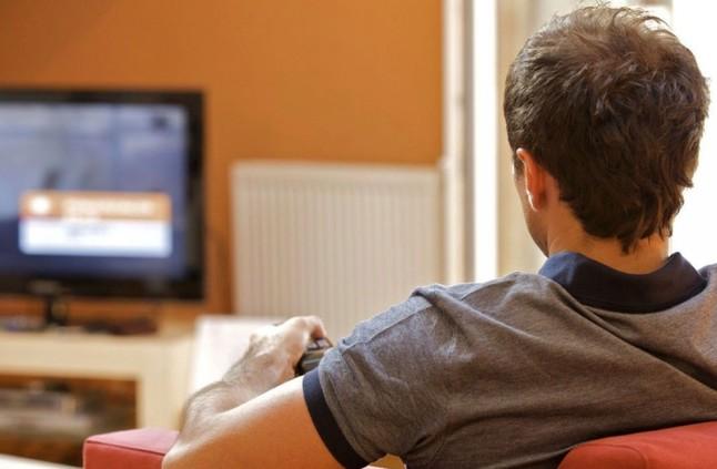 ما علاقة مشاهدة التلفزيون بزيادة وزنك؟ما علاقة مشاهدة التلفزيون بزيادة وزنك؟