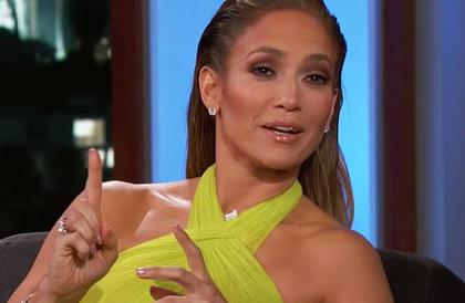 """شاهد: جينيفر لوبيز """"راقصة تعرّي"""".. وحبيبها أليكس ينشر حركاتها المُثيرة للعلن!"""