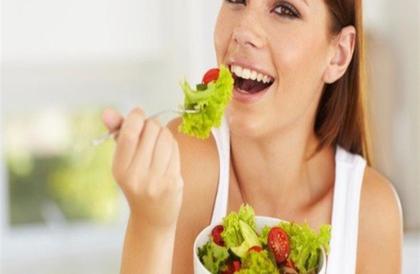 دراسة: هذا ما يحدث لجسمك إذا تناولت الخضروات والفاكهة يوميًا