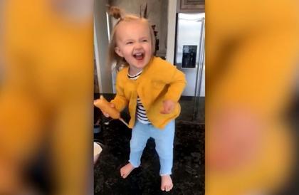 طفلة تجذب ملايين المشاهدين برقصة مستوحاة من بيونسيه