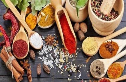 10 أنواع من الأعشاب والتوابل مفيدة لصحة الجسم