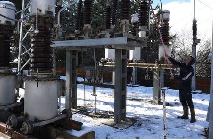 بعد سنوات الحرب... لغز الكهرباء في سوريا...المواطن مشكور وشرق الفرات حل فعال