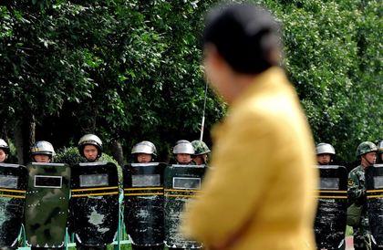 الأويغور.. شعب المليون سجين
