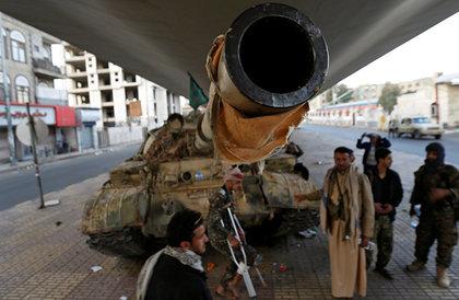 """""""أنصار الله"""" تعلن السيطرة على تباب في جيزان وقنص جنديين سعوديين"""