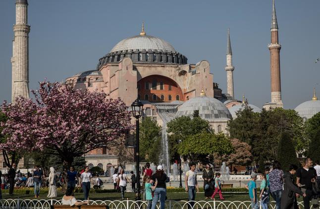 مسؤول تركي: منفذ مذبحة المسجدين في نيوزيلندا زار تركيا مرتين بعام واحد