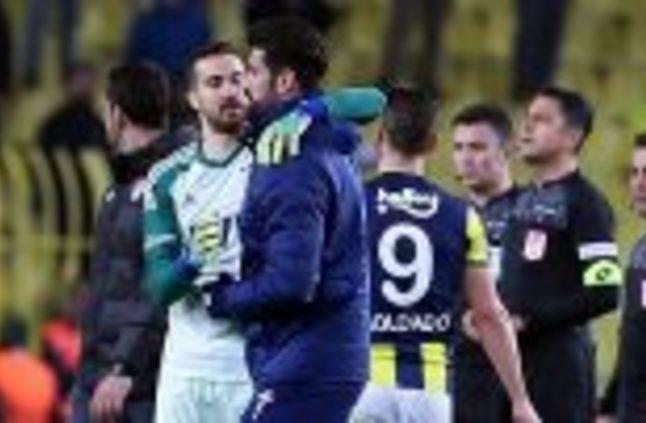 """فيديو – الجماهير تهتف بـ """"التكبيرات"""" قبل مواجهة في الدوري التركي بعد حادث نيوزيلندا"""