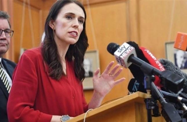 رئيسة وزراء نيوزيلندا تتعهد بتشديد قوانين حمل السلاح