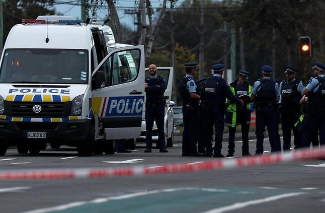 توجيه تهمة القتل لمنفذ هجوم مسجدي نيوزلندا وتوقعات بتوجيه اتهامات أخرى