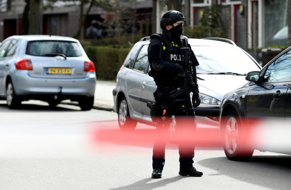 الشرطة الهولندية تنشر صورة مطلق النار في أوتريخت