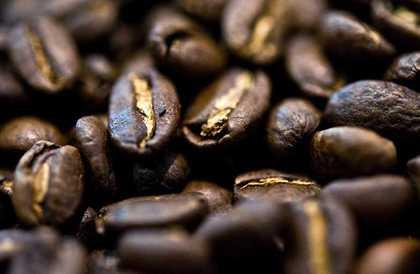 أخبار | ما هي وظيفة القهوة ومكعبات الثلج في السيارات  - ContactCars.com